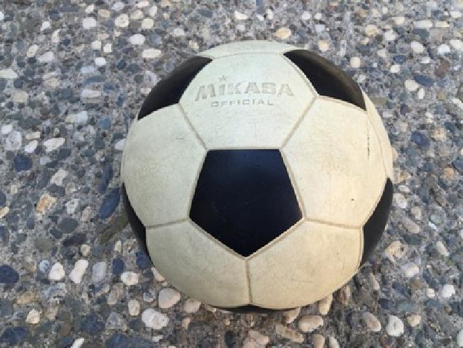 Wanted: Old fully molded soccer Balls