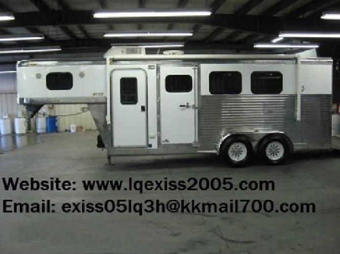 pCXV 2005 Exiss 3 Horse Trailer