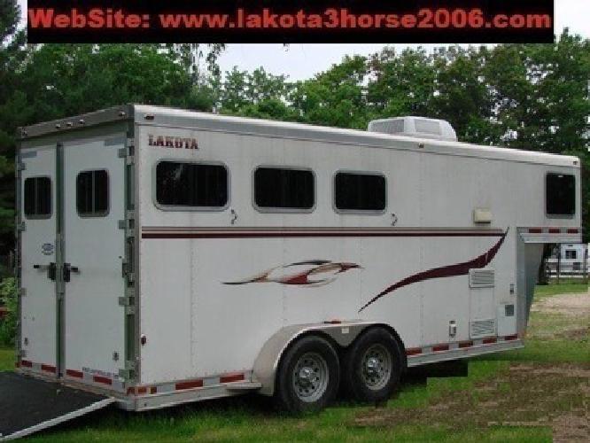 pLOOKi >> 2006 Lakota 3 Horse Trailer LQ