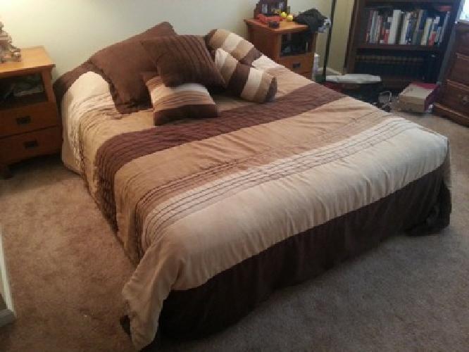 Queen Pillow-Top Mattress & Box Springs