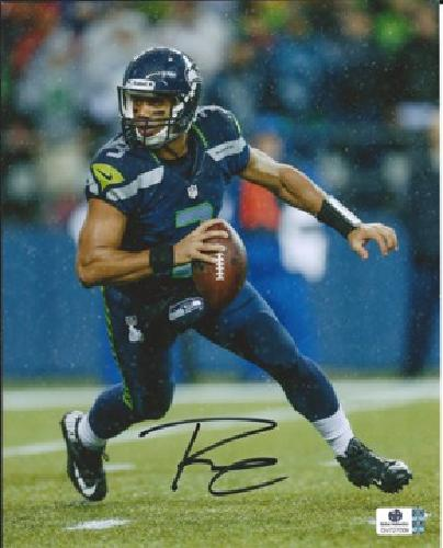 Russell Wilson Seattle Seahawks 8x10 Signed Photo w / Global COA