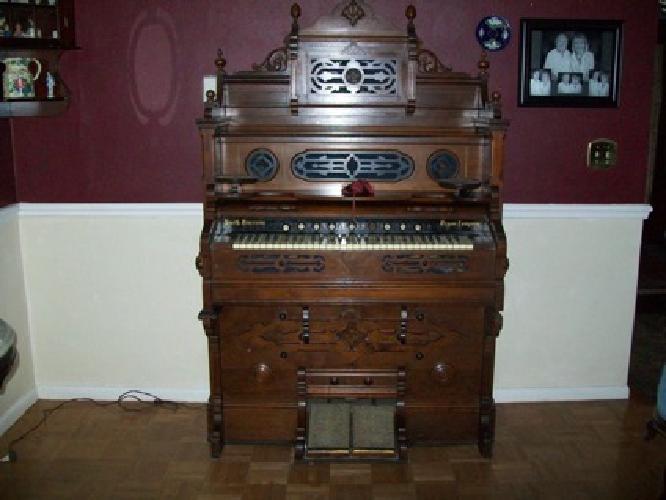 smith american pump/reed organ antique