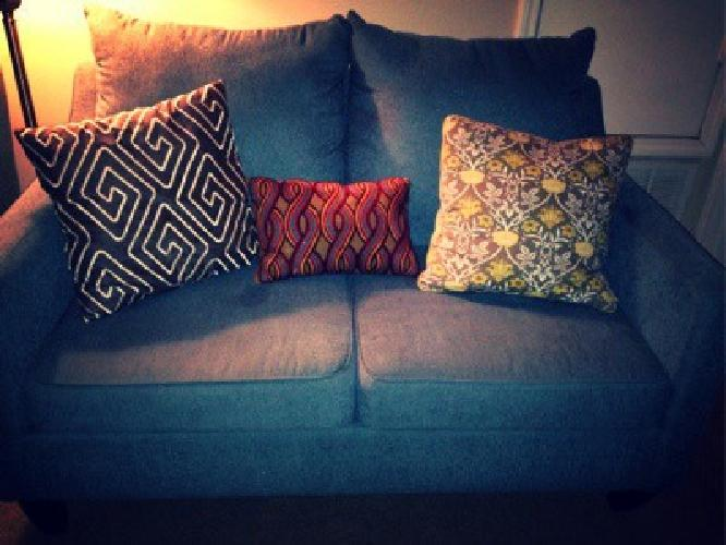 Traditionaa couch and love seat set