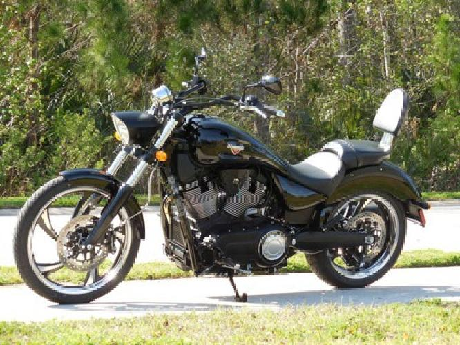 xsdr 2014 Victory Vegas 8 Ball Only 300 Miles Flawless Bike