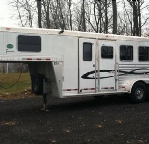 za .2006 cherokee 3 horse trailer gooseneck